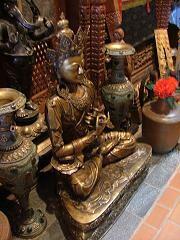 ネパール館仏像.jpg