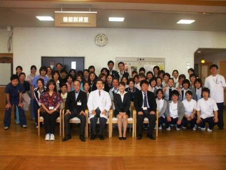 平成23年4月職員集合写真.JPG