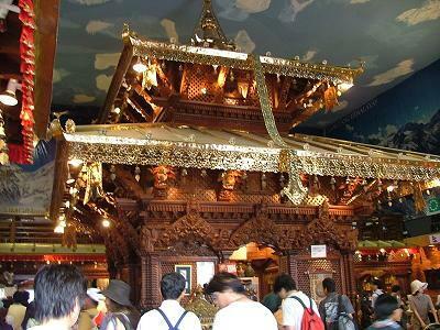 ネパール館寺院.jpg